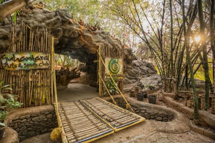 cave-resort-india